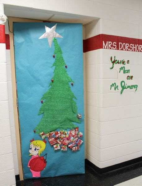grinch door ideas decatur community schools grinch wins door decorating contest