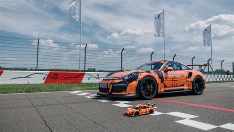 lego porsche 911 gt3 rs a porsche 911 gt3 rs made of 2 704 parts