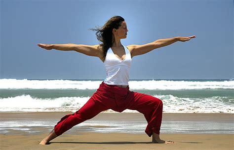 yoga warrior 10 yoga stretches improve surfing in costa rica