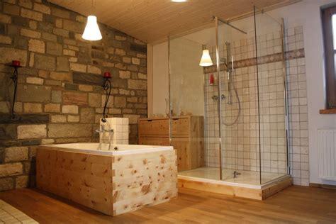 holz im badezimmer holz im badezimmer und praktisch wohnraum8