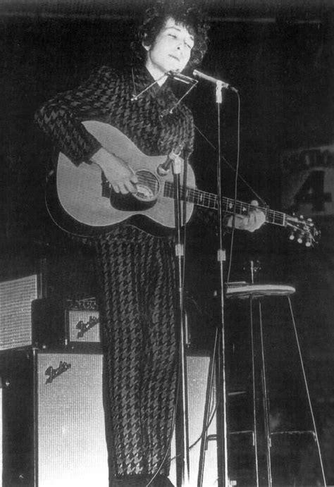 April 13, 1966 – Bob Dylan Australia – 12 Videos – 30
