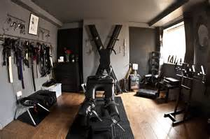 dominatrix bedroom hoxton dungeon suite to hire london mistress directory