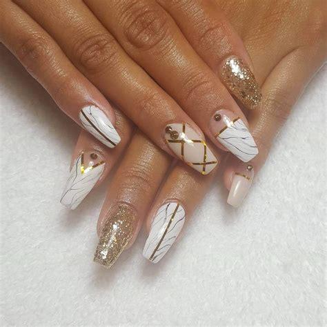 imagenes de uñas blancas con plata 80 dise 241 os de u 241 as color dorado u oro u 209 as decoradas