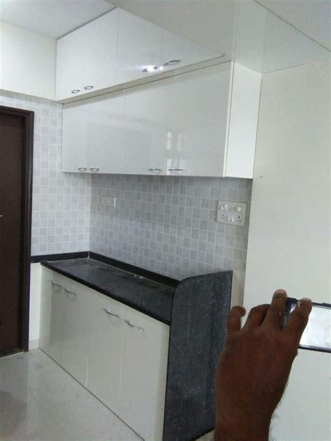 modular kitchen wall cabinets 22 best kitchen splashback images on pinterest kitchen