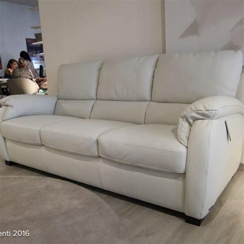 outlet divani e divani by natuzzi divani divani by natuzzi divano chass 232 in pelle scontato