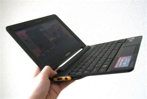 toshiba ac100 android netbook unboxed, tested on video