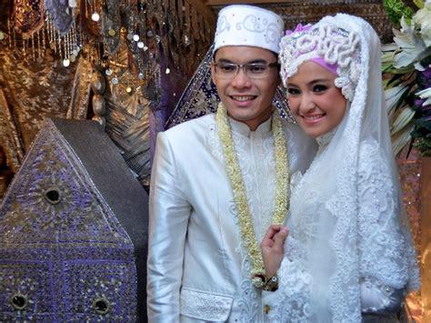 by dian pelangi wedding dress wedding dress by dian pelangi hijab style pinterest