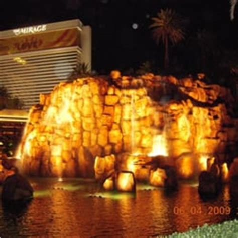 Can Lava Ls Explode by The Volcano 130 Photos Hotels The Las Vegas