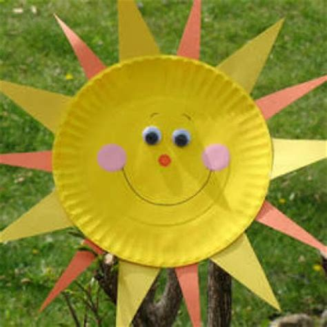 Paper Plate Sun Craft - paper plate sun munchkins and