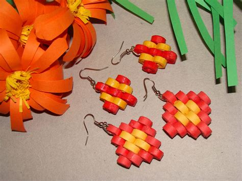 Steps To Make Paper Quilling - quilling earrings step design