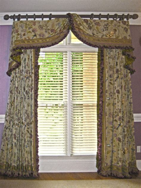 Fabric Window Valances 17 Best Images About Cascades And Jabots On