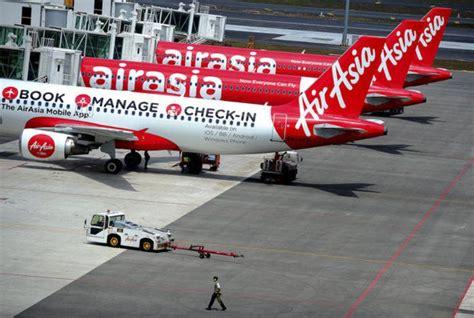 airasia kecelakaan tiga pesawat airasia alami kecelakaan selama tiga hari