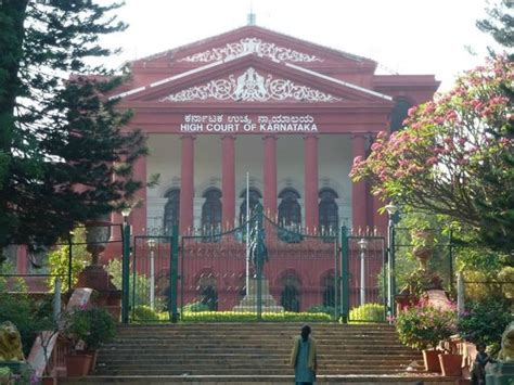 Dc Court Search Bangalore A Statue In The High Court Picture Of Cubbon Park Bengaluru Bangalore Tripadvisor