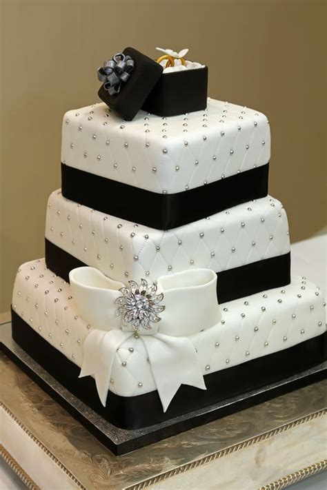 Country Star Home Decor by Black Amp White Wedding Cake With Fondant Bow Ring Box