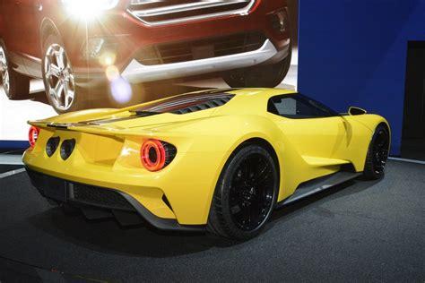 Concept Ford Gt by το Ford Gt Concept σε κίτρινο χρώμα στο λος άντζελες