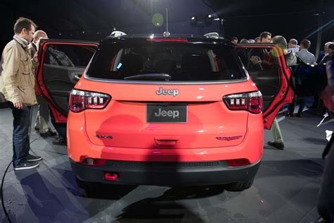 jeep compass rear 6 different ways you can configure the 2017 jeep compass
