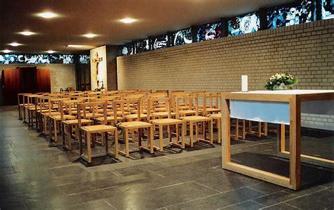 kredenz kirche kirchenst 252 hle f 252 r sakrale r 228 ume stoelcker kirchenst 252 hle