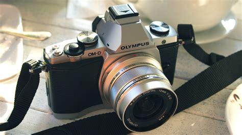 Kamera Mirrorless Olympus Om D Em5 em5 review featured