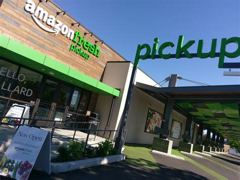 amazon store ars tests out amazon s first pick up grocery store in the