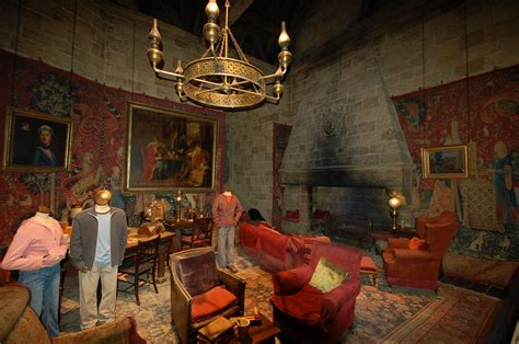 gryffindor common room the warner brothers harry potter studio tour nelsons in