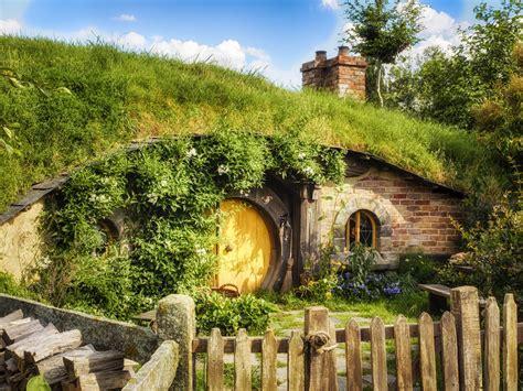 hobbit hole hobbit hole wallpaper bing images