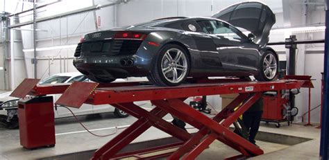criswell collision center specializes  offering   auto body repairs  services