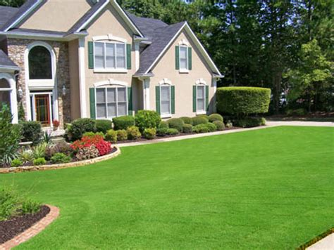 home yard front yard landscaping nice green beautiful