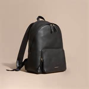 burberry backpack burberry grainy leather backpack in black for men lyst