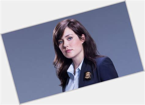 why does megan boone wear a wig megan boone official site for woman crush wednesday wcw