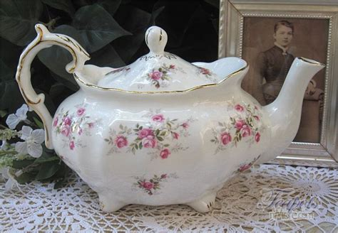 51 Best Shabby Chic Tea Pots Images On Pinterest Tea Shabby Chic Tea Set