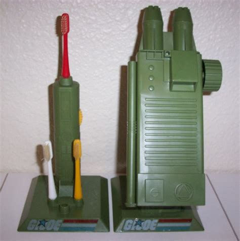 Dispenser Kirin Dan Cool yojoe g i joe command post toothbrush toothpaste dispenser 1983