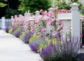 Traditional Cottage Garden Flowers 5 Inspiring Ways To Create A Cottage Style Garden Town Country Living