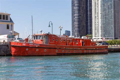 fire boat chicago the christopher wheatley fire boat 171 chicagoareafire