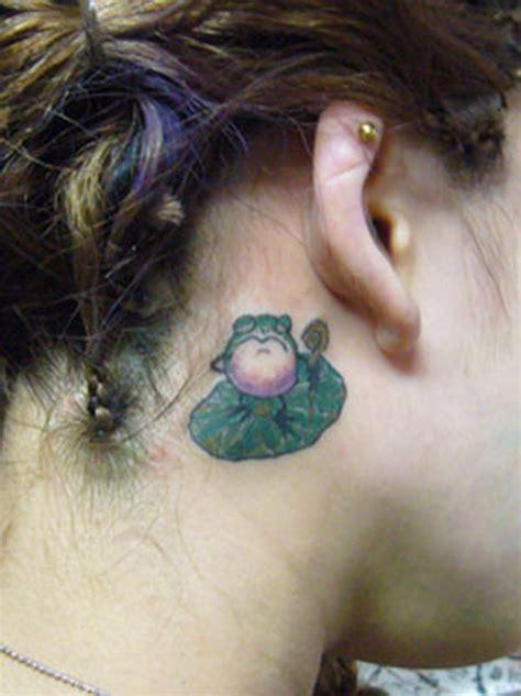 frog lily pad tattoo designs frog n pad ear tattoos book