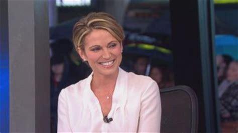 short haired chicago news anchor gma bids farewell to josh elliott video abc news