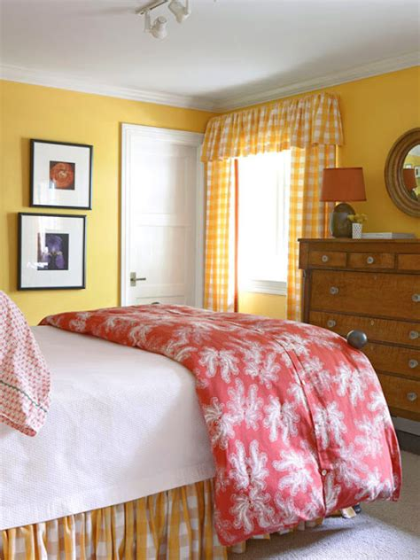 warm bedroom colour schemes 2011 bedroom decorating ideas with yellow color