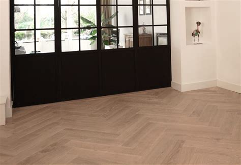 modern interieur met houten vloer visgraat vloeren de visgraat specialist