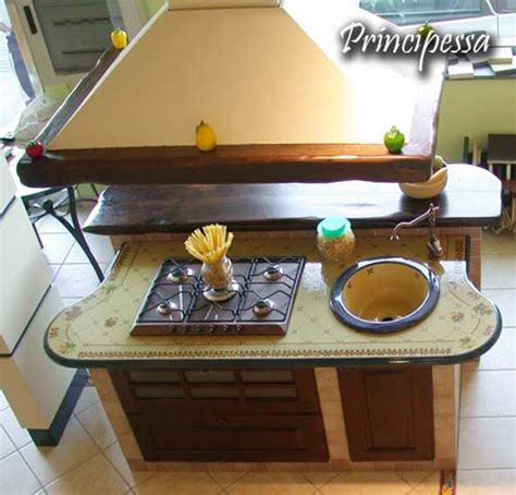 tagli in cucina mobili e arredamento taglio top cucina