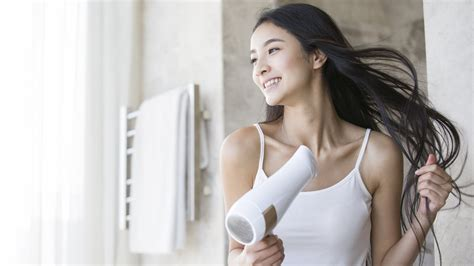 5 Signs You Need A New Hair Dryer by 5 Signs You Probably Need A New Hair Dryer Because All