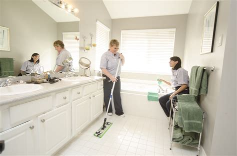home clean hiring a green cleaning service