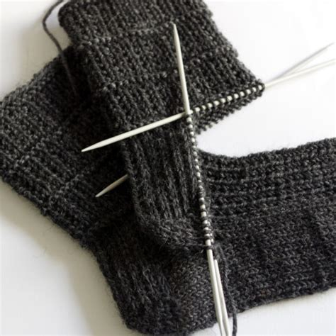 mens sock pattern knitting how to knit socks heel flap turning the heel and gusset