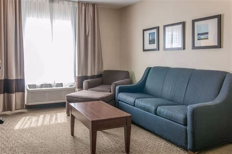 comfort suites novi mi comfort suites wixom in detroit hotel rates reviews on