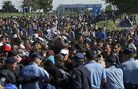 Migrant Crisis Unhcr Warns Europe Migrants Keep Coming As Hungary Warns Millions Are Breaking Doors Of Europe Daily Mail