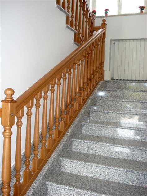 ringhiera in legno per interni tecnoteta realizzazione e posa in opera di ringhiere in