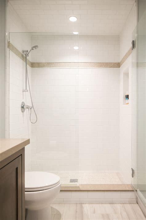 California Cape Cod Home Design   Home Bunch Interior