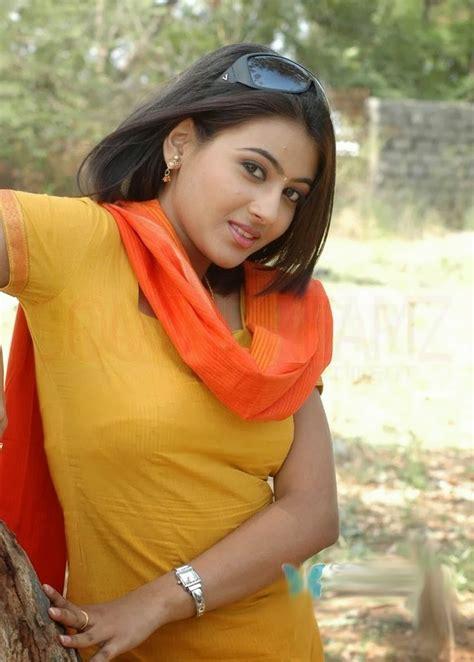 kannada film actress wallpapers aarathi kannada actress wallpapers