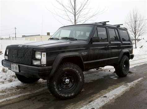 raised jeep raised white letter tires or black wall tires which do you