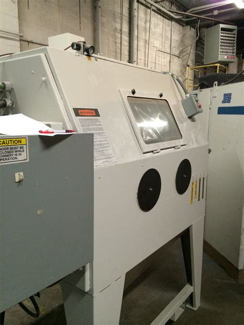 clemco zero bnp 220 suction blast cabinet with a 300