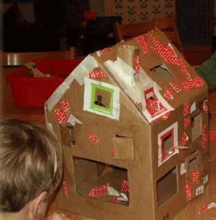 huis van karton knutselen huis maken van karton de kinderen laten