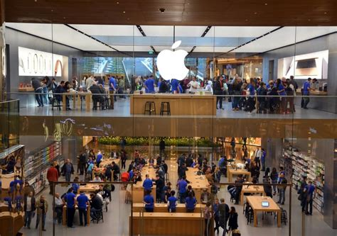 swiss apple store evacuated after iphone 6s plus battery starts emitting smoke techspot